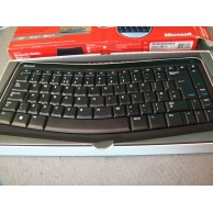 Microsoft Bluetooth Mobile UK QWERTY Keyboard 5000 Boxed